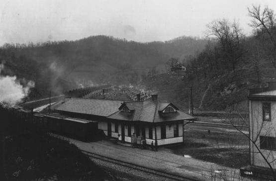 """L & E Station--Fleming, Kentucky.""  From the Jenkins, Kentucky Photographic Collection, 1911-1930, University of Kentucky Special Collections.  Accession number 2001av01."