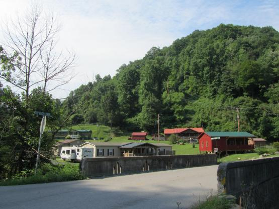 "Viper, Kentucky, looking west from Maces Creek Rd.  6/11/14.  Photo by Zada Komara  <a href=""mailto:zko222@g.uky.edu"">zko222@g.uky.edu</a>"